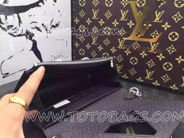 ルイヴィトン財布ポルトフォイユ・ツイスト チェーン M61490 ミニショルダーバッグ2016春夏メンズ・ファッションショー