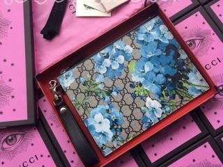 411691 KU2HN 8499 グッチ GGスプリーム バッグ コピー GUCCI ブルーの花のプリントがラグジュアリーGGモノグラムポーチ レディース クラッチバッグ ブルーブルームズ