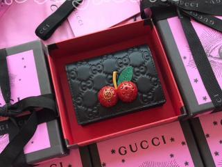 476050 0G6ET 1060 グッチ 財布 コピー GUCCI チェリー グッチ シグネチャー カードケース(コイン&紙幣入れ付き) レディース 二つ折り財布 2色選択可 ブラック