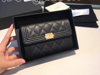 A84302 ch322 ボーイ シャネル 財布 スーパーコピー BOY CHANEL スモール フラップ ウォレット グレインド ゴートスキン レディース 三つ折り財布 ゴールド金具 8色可選択