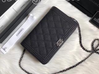 A80287 Y83621 94305 ボーイ シャネル 財布 コピー BOY CHANEL チェーンウォレット グレインド カーフスキン レディース 二つ折り財布 3色可選択 ブラック