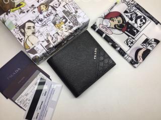 2MO513_2BOL_F0002 プラダ 財布 スーパーコピー PRADA Saffiano 「サフィアーノ」レザー 財布 メンズ 二つ折り財布 ブラック