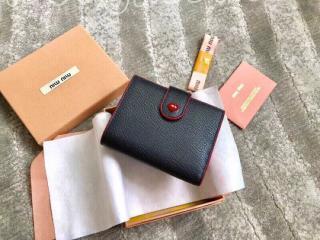 5MV016_2BQ3_F0002 ミュウミュウ 財布 スーパーコピー MIUMIU マドラス ラブ 財布 レディース 二つ折り財布 3色可選択 ブラック